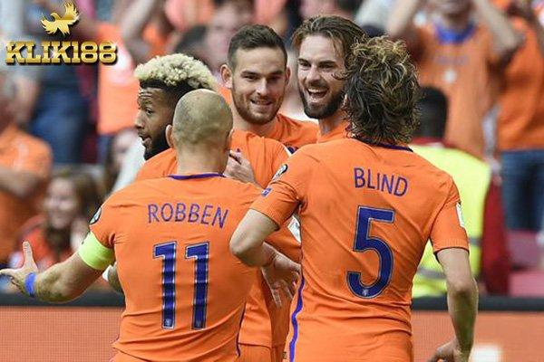 Belanda Amankan Tiket ke Russia Usai Kalahkan Bulgaria