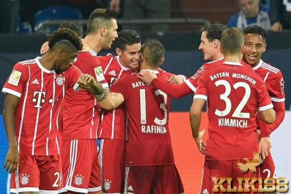 James Tampil Gemilang Tuntun Bayern Munchen Atasi Schalke