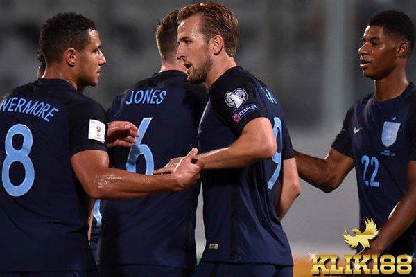 Kerja Keras Inggris Pecahkan Permainan Defensif Malta