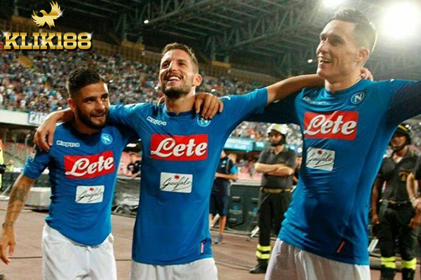Trisula Napoli Sumbangkan Gol Untuk Tekuk Feyenoord
