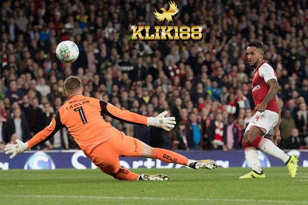 Walcott Bawa Arsenal Menang Tipis Atas Doncaster Rovers