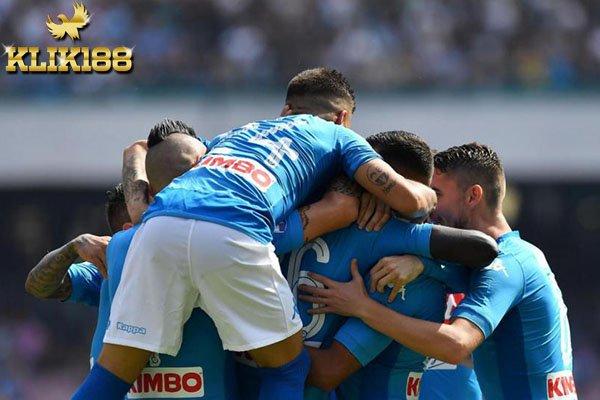 Napoli Masih Sempurna di Klasemen Setelah Tumbangkan Cagliari