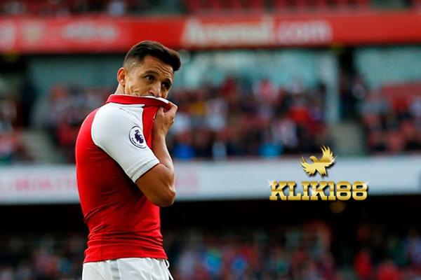 PSG Tawarkan Bonus Besar Jika Sanchez Tandatangani Prakontrak