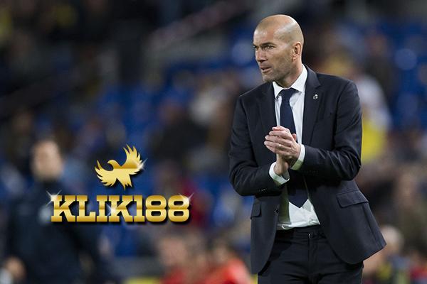 Zidane Sebut Madrid Butuh Dukungan Penuh Fans di Santiago Bernabeu