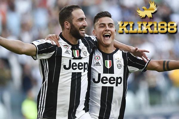 Laporan Pertandingan Sepakbola Juventus VS AS Roma