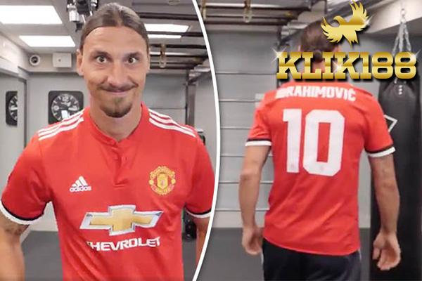 Zlatan Ibrahimovic Siap Memakai Kostum Nomor 10 United