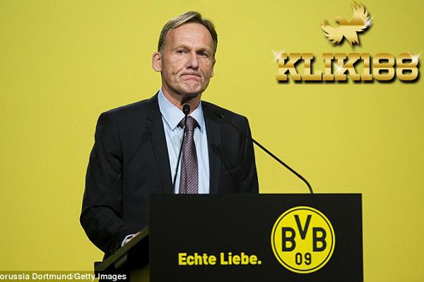 Saya Tidak Percaya Sepenuhnya Pada Bosz Ungkap CEO Dortmund