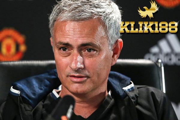 Manchester United Seharusnya Dapat Minimal Tiga Penalti