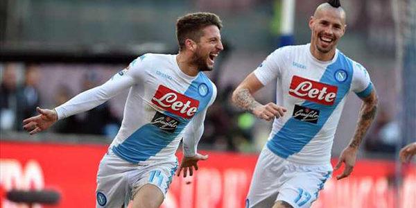 Napoli Cadangkan Hamsik dan Mertens Hadapi Juventus