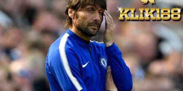 Antonio Conte dan Chelsea Terlibat Posisi Saling Kunci