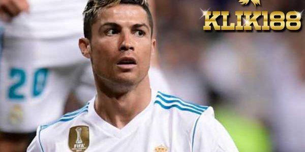 PSG Tawarkan Gaji Selangit Kepada Cristiano Ronaldo
